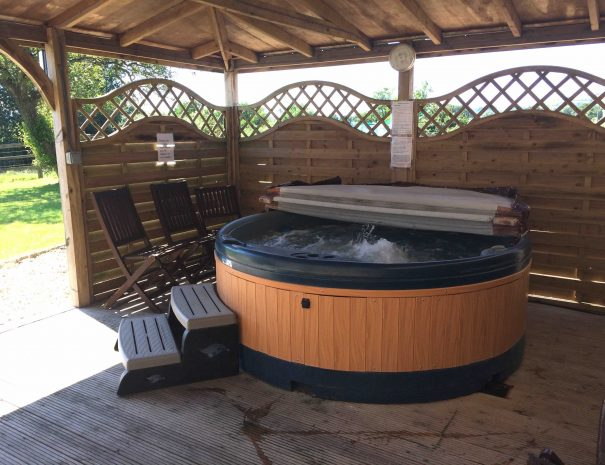 Hottub at Cardsmill Farm Holidays