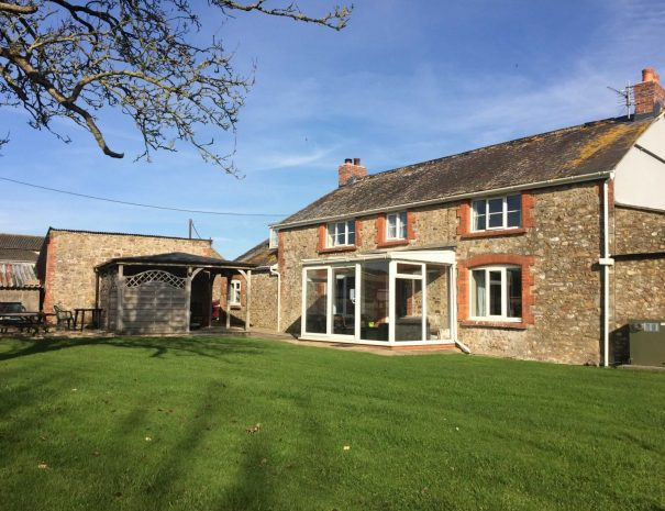 Taphouse Farmhouse